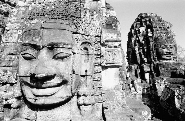 Angkor Cambodia, Heads The Bayon