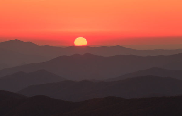 USA, Tennessee, Great Smoky Mountain National Park, Sunset behind layers of mountains at Clingman's Dome