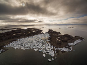 Canada, Nunavut Territory, Repulse Bay, Aerial view of grounded icebergs on Harbour