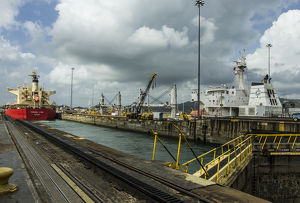 Central America, Panama, Panama Canal creates the shortest possible between the Atlantic