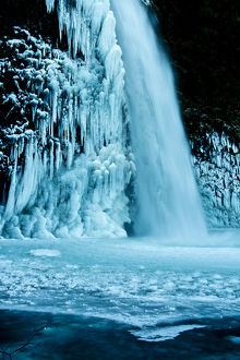 detail; Lower Horsetail Falls; winter; frozen; Columbia Gorge; Oregon; USA