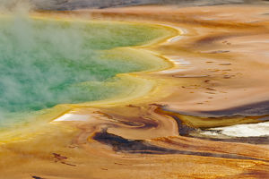 Elevated view of Grand Prismatic Spring and patterns in bacterial mat, Midway Geyser Basin