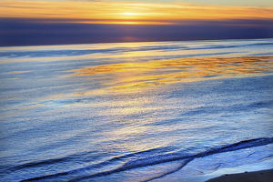 Ellwood Mesa Coastline Pacific Oecan Orange Sunset Goleta California