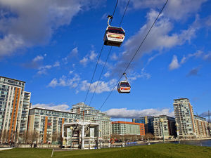 Europe, United Kingdom, England, London, Royal Victoria Dock. The Emirates Air Line