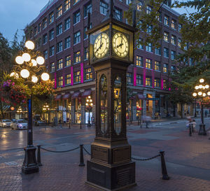 canada/historic steam powered clock gastwon district
