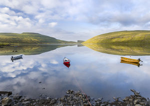 Lake Sorvagsvatn (Leitisvatn), the largest lake of Faroe