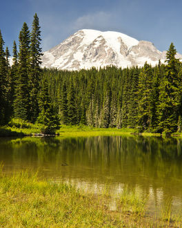 Mount Rainier, Reflection Lakes, Mount Rainier National Park, Washington, USA