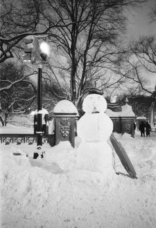 NA, USA, New York, New York City. Snowman in Central Park
