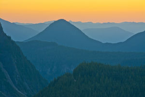 Sunset, Rampart Range, Moutn Rainier National Park, Washington, USA