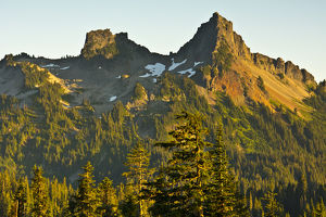 Sunset; Tatoosh Mountains; Mount Rainier National Park; Washington; USA