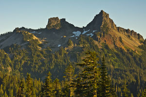 Sunset, Tatoosh Mountains, Mount Rainier National Park, Washington, USA