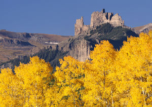 USA, Colorado, Gunnison National Forest. The Castles rock formation in august. Credit as