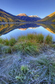 USA, Colorado, San Juan Mountains. Frosty morning at Crystal Lake