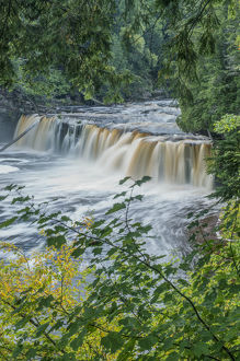 USA, MI, Porcupine Mountains Wilderness State Park, Manabezho Falls
