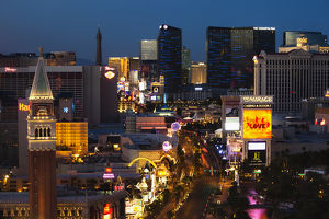 USA, Nevada, Las Vegas, The Strip, Las Vegas Boulevard, high vantage view, dawn