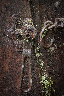 abstract/usa washington state elbe rusted metal lever