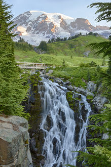 WA, Mount Rainier National Park, Myrtle Falls and Mount Rainier