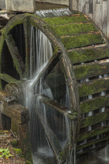 Water wheel and flowing water, Cable Mill, Cades Cove, Great Smoky Mountains National Park