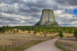 WY, Devils Tower National Monument, Devils Tower